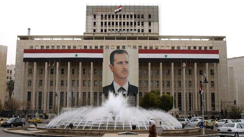 زلزال برادايز يطال الأسد وابن خاله مخلوف