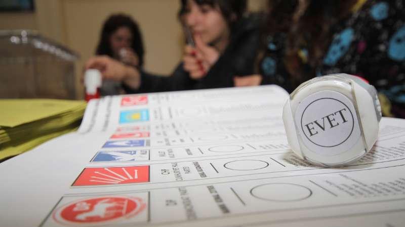 تركيا تكشف عدد السوريين المجنّسين الذين يحق لهم التصويت في الانتخابات