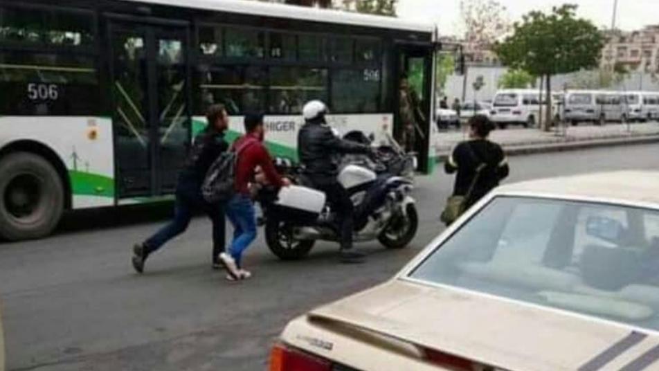 صور ساخرة من أزمة البنزين في سوريا.. وشتائم تطال الأسد!