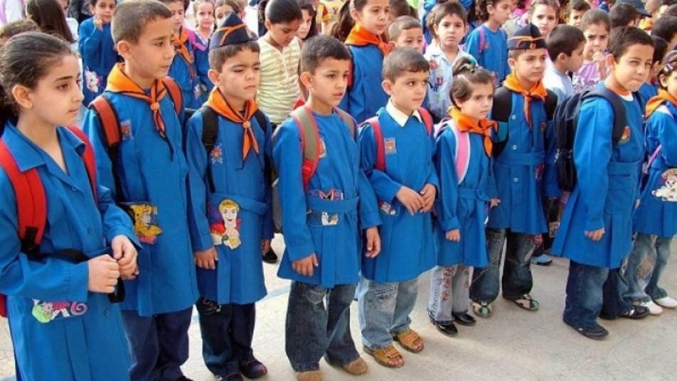 سرقات بالملايين.. عاملون في وزارة التربية بحكومة الأسد يبيعون لابتوبات المدارس بالأسواق